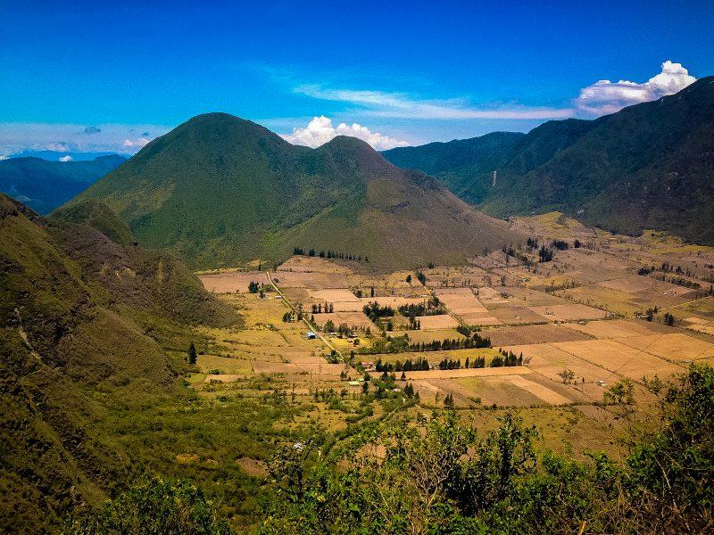 Lugares Turisticos cerca de Quito - La Reserva Geobotánica Pululahua