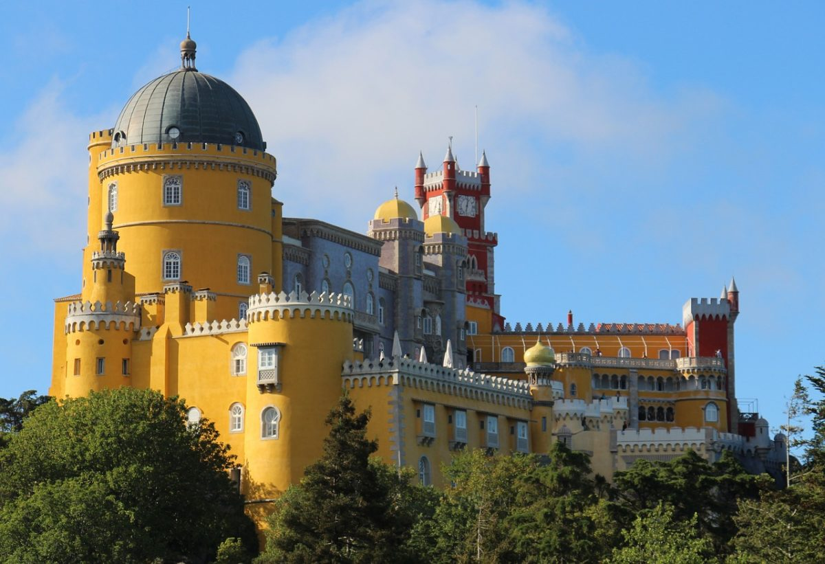Lisbon to Sintra - Day Trip to Pena Palace