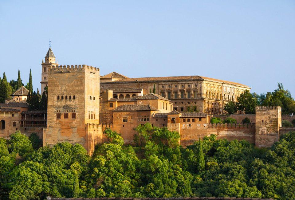 alhambra-872599_1920
