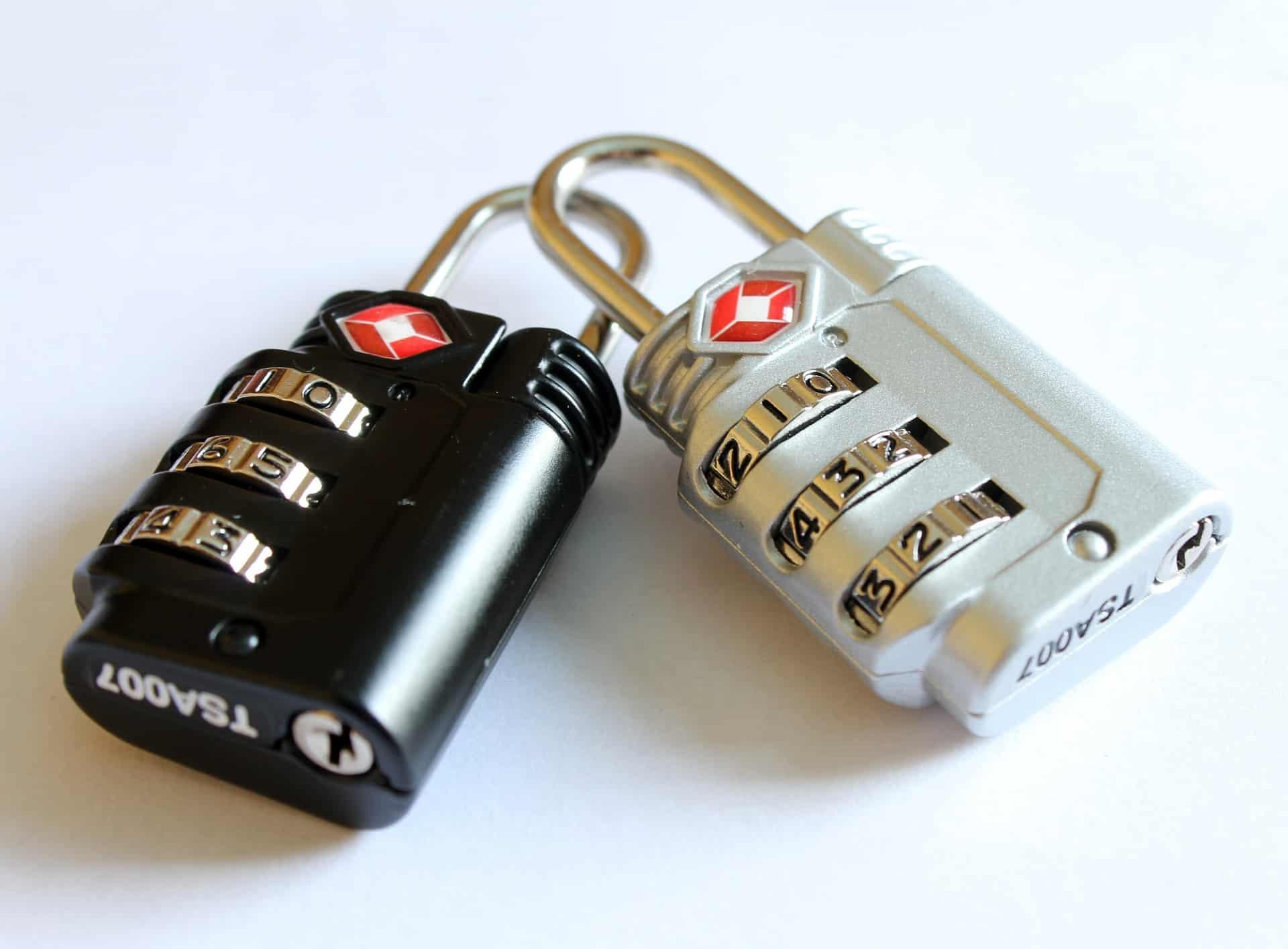 padlocks-597815_1920