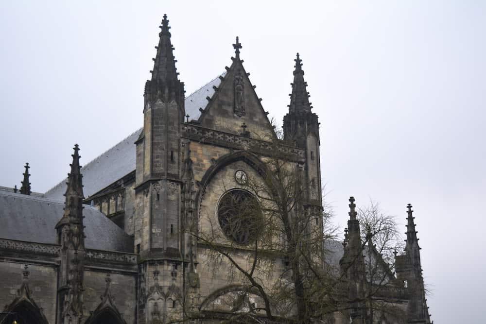 Basílica, Marché y Fléche de San Miguel
