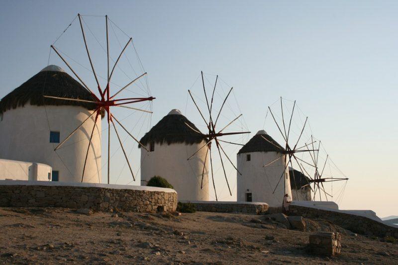 windmills-613459_960_720