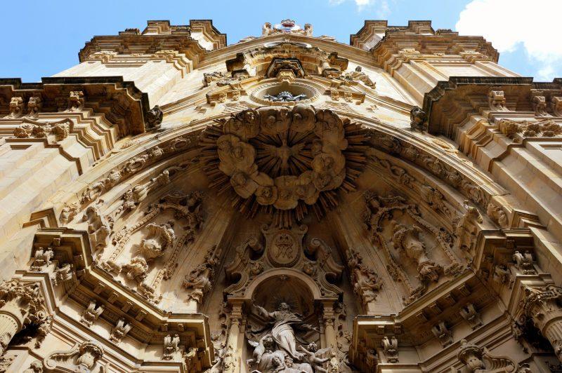 architecture-1324698_1920