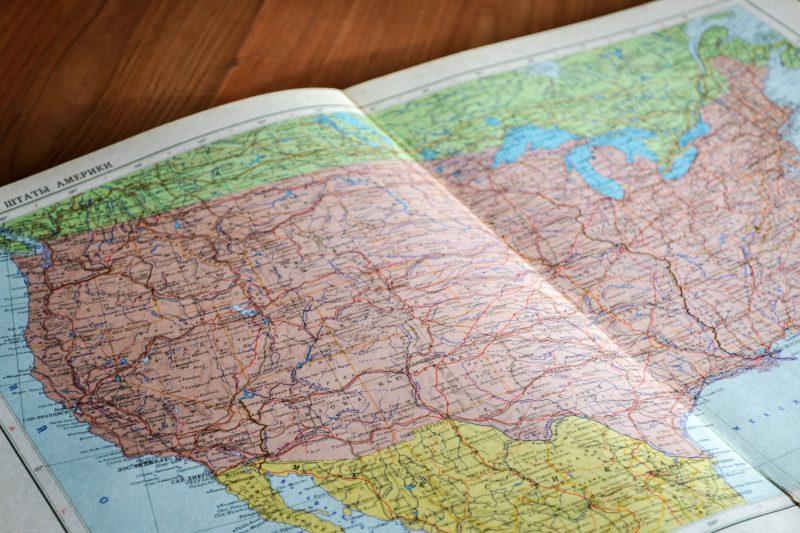 Obtén un mapa gratuito y no seas tímido a la hora de viajar de mochilero