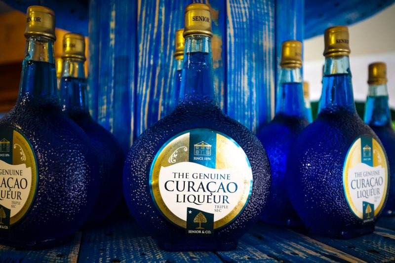 curacaco-blue-liquoer