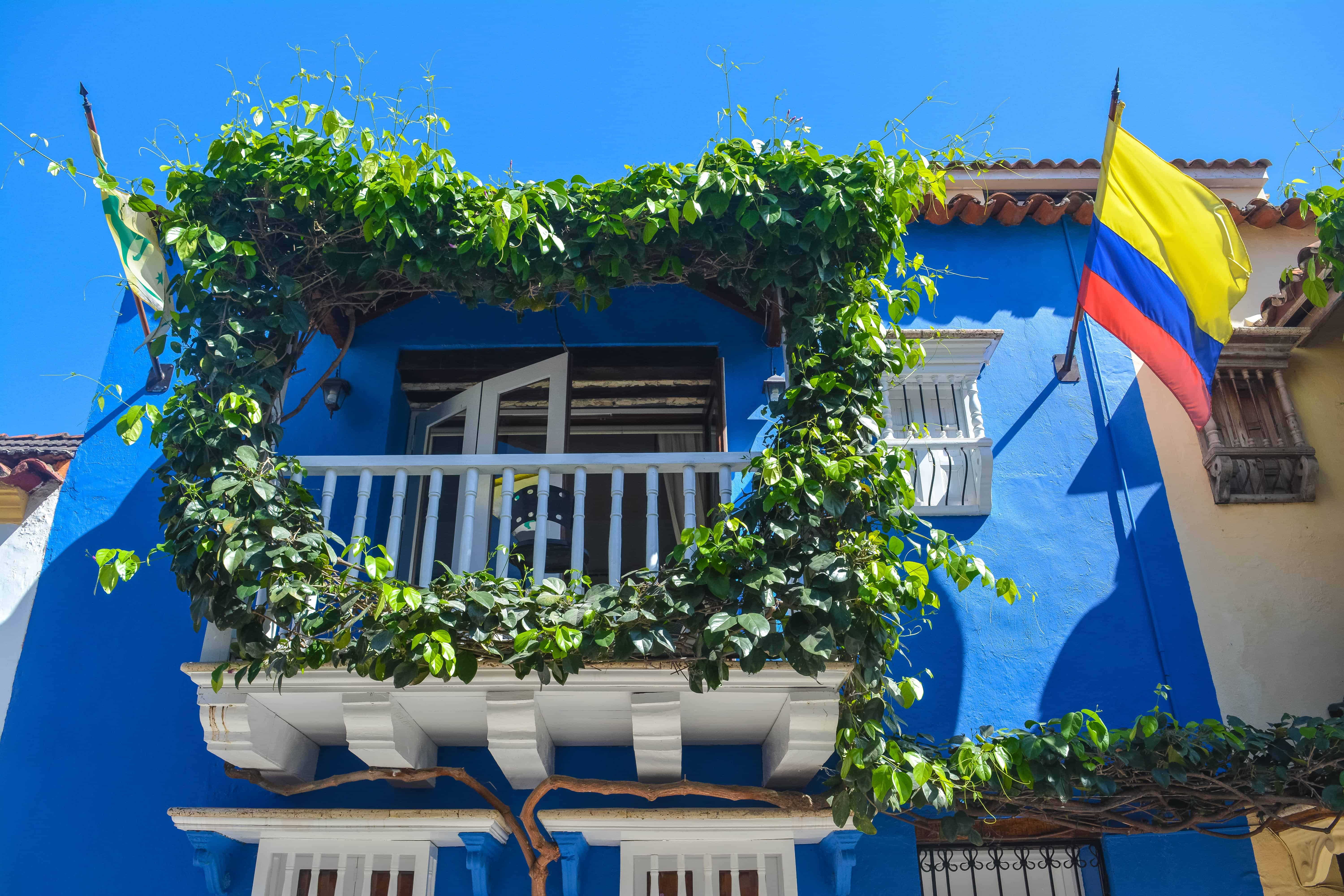 Get lost in the streets of Old Cartagena heart window