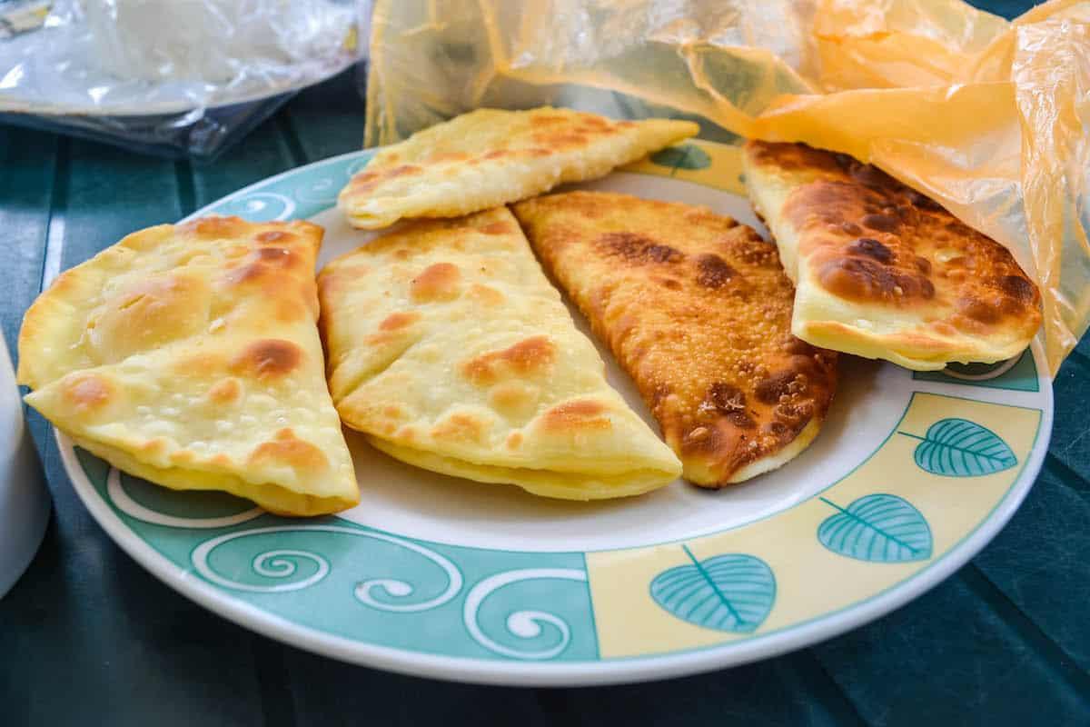 empanadas de queso - Gastronomía de Santa Elena Ecuador