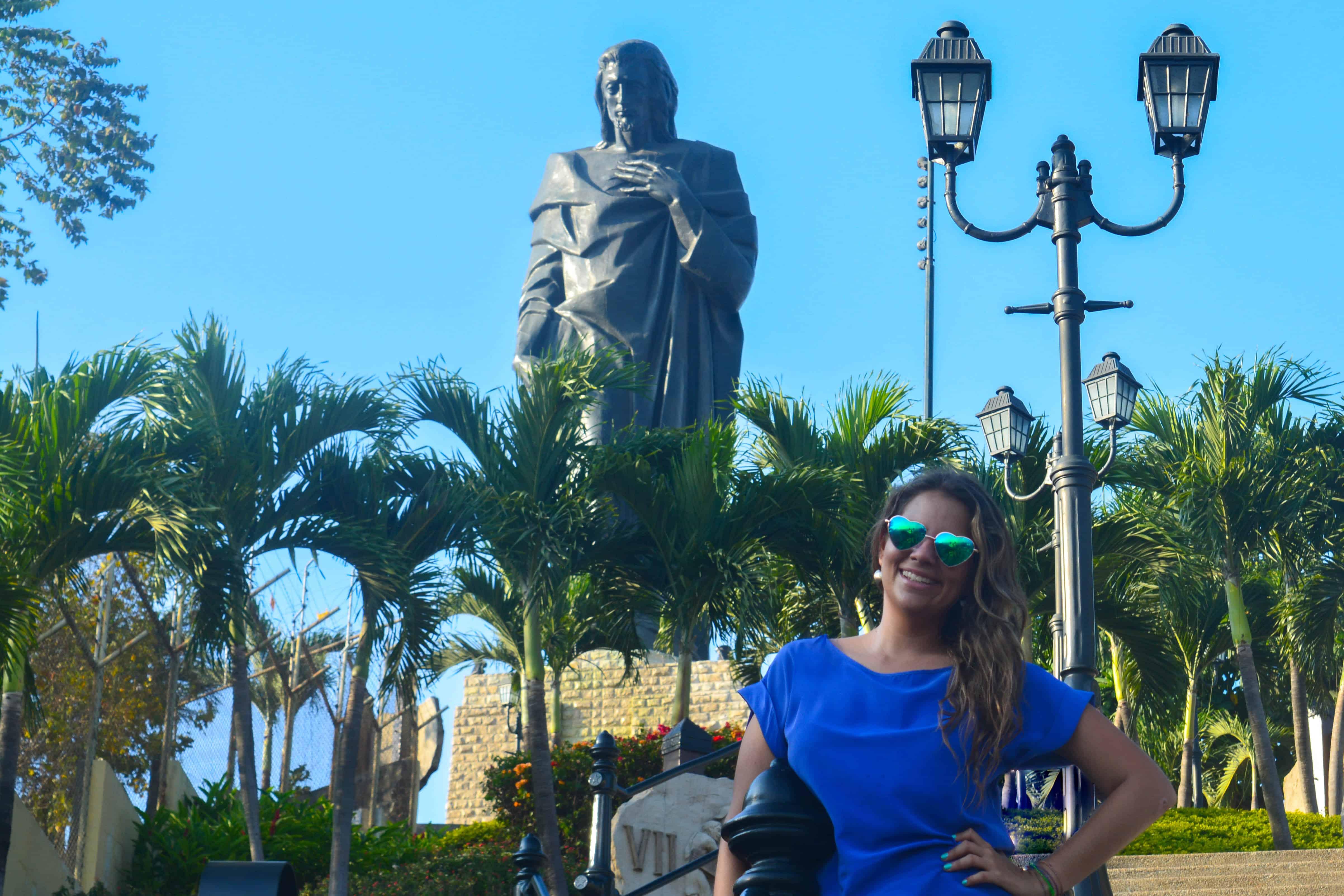 Monumento al Sagrado Corazon de Jesus, (El Cristo) en Guayaquil Ecuador