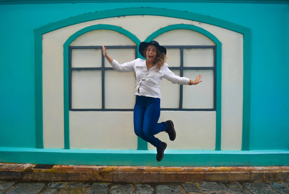 Jumping shot on Guayaquil with Samuel Hubbard Shoes