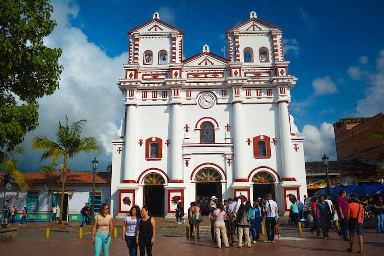 Guatape desde Medellin Catedral