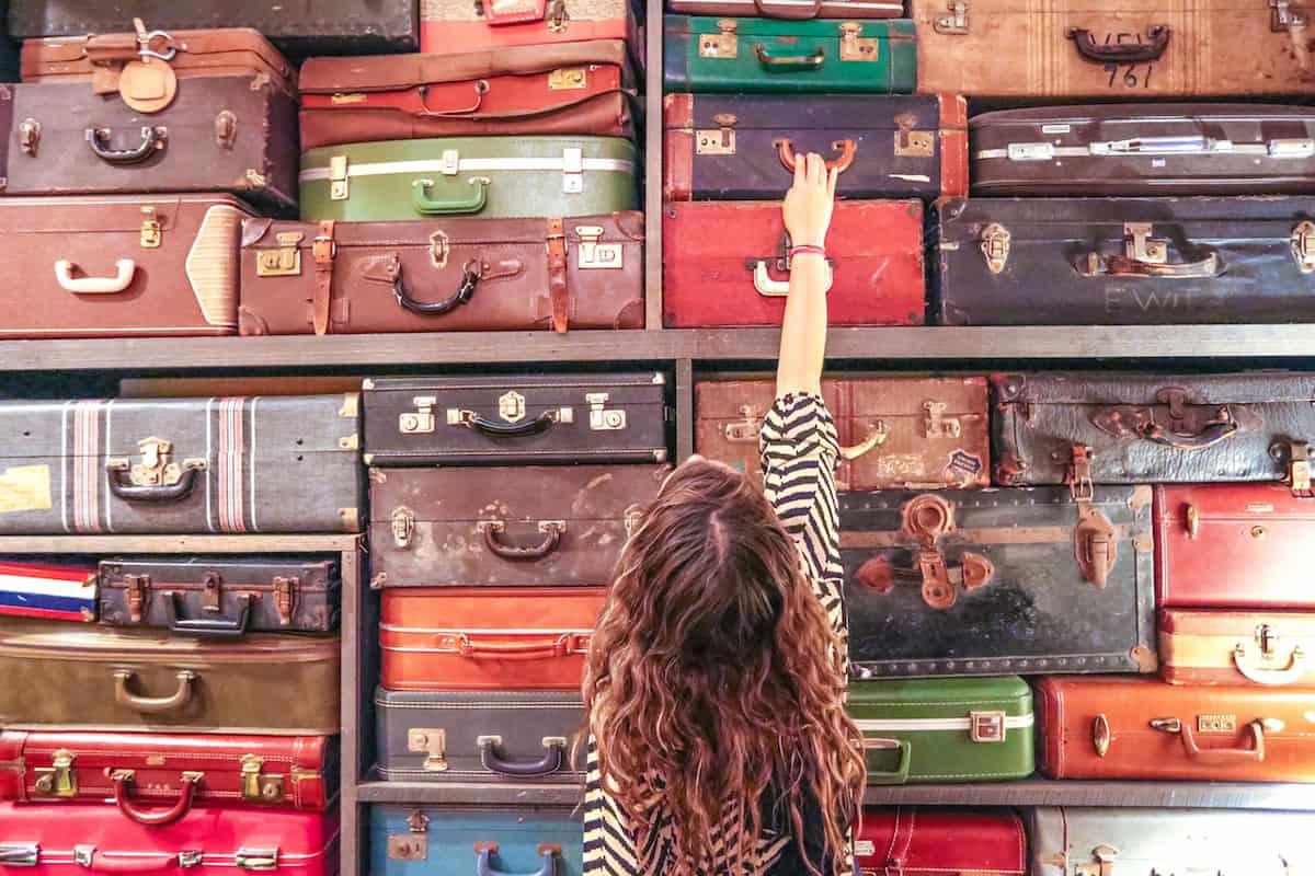 Toma una foto en la pared de equipaje en el Doylestown Inn