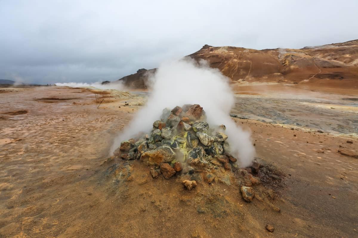 Área geotérmica de Namafjall en erupción