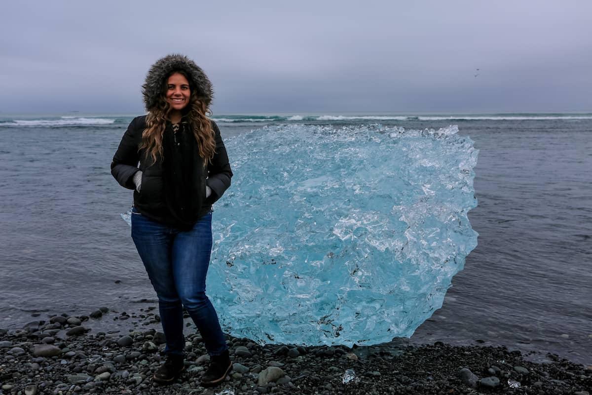 icebergs en la Playa de los diamantes en Islandia