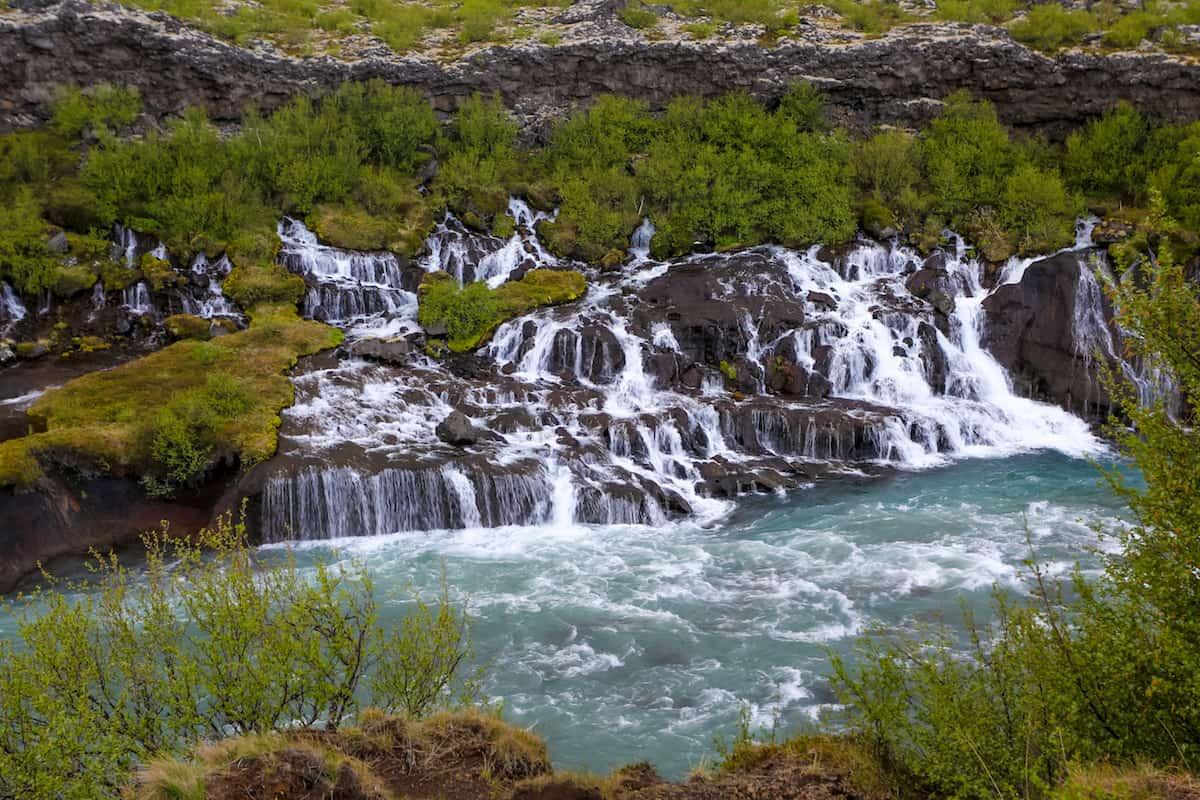Cascadas Hraunfossar y Barnafoss