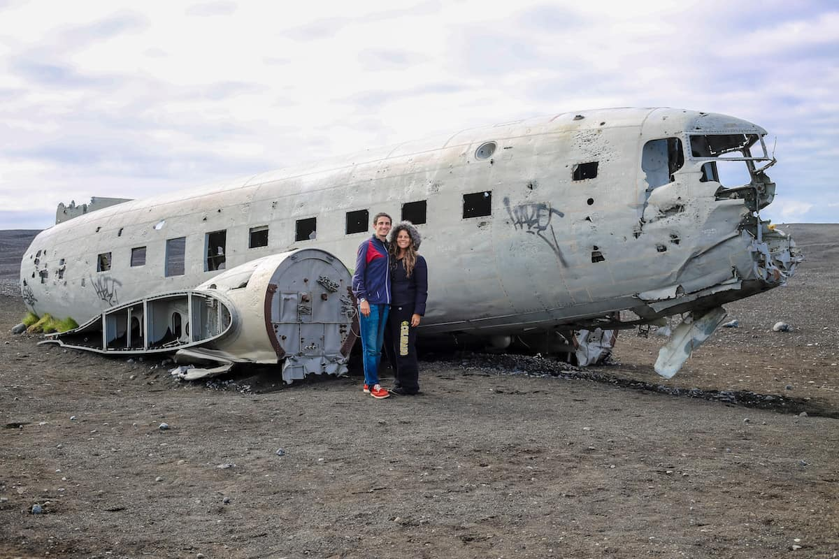 Subir a bordo del avión chocado