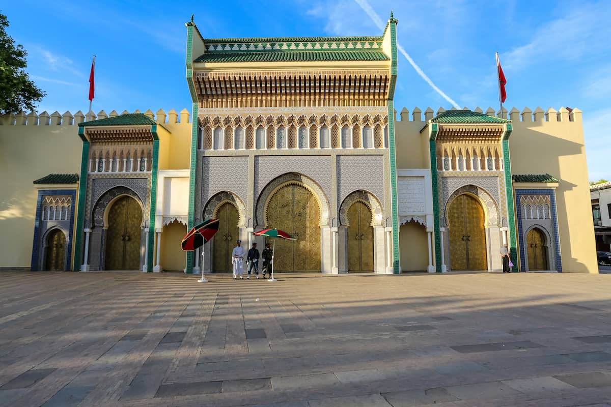 Take a photo of the Royal Palace doors