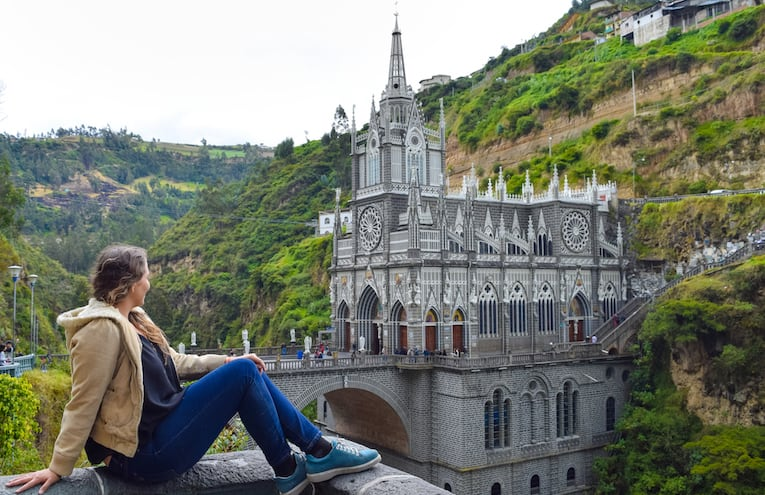 Travel Guide: A Day trip to Las Lajas Sanctuary in Ipiales, Colombia