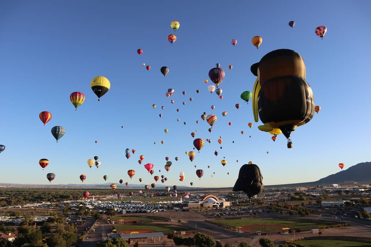 fotos de globos aerostaticos EN EL AIRE EN ALBURQUERQUE