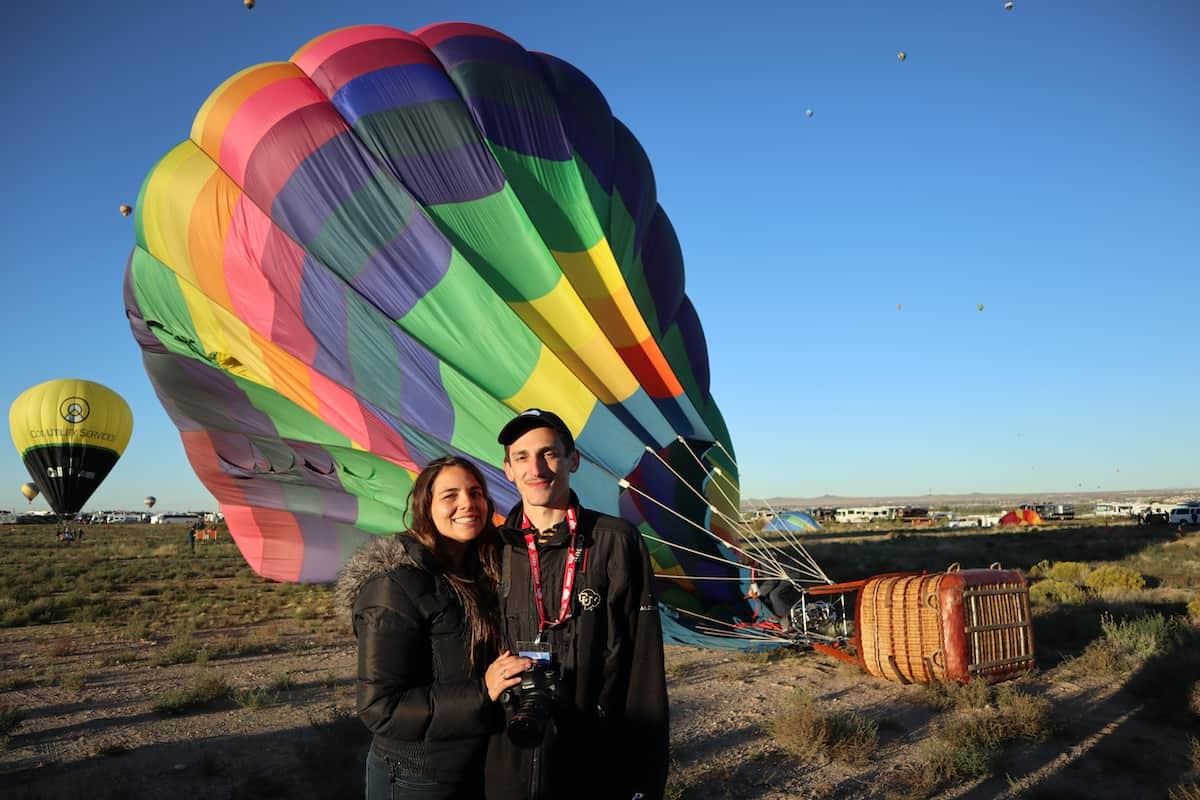 pareja en el globo aerostatico
