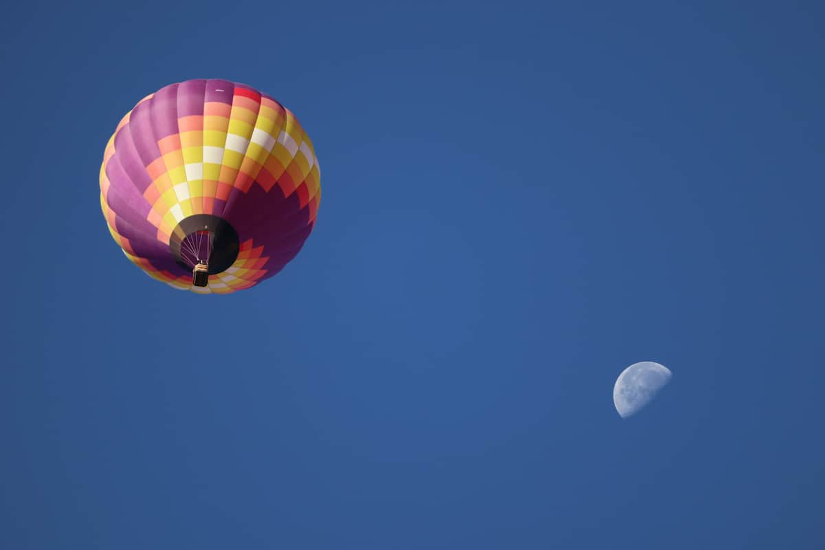 Albuquerque International Balloon Fiesta con la luna