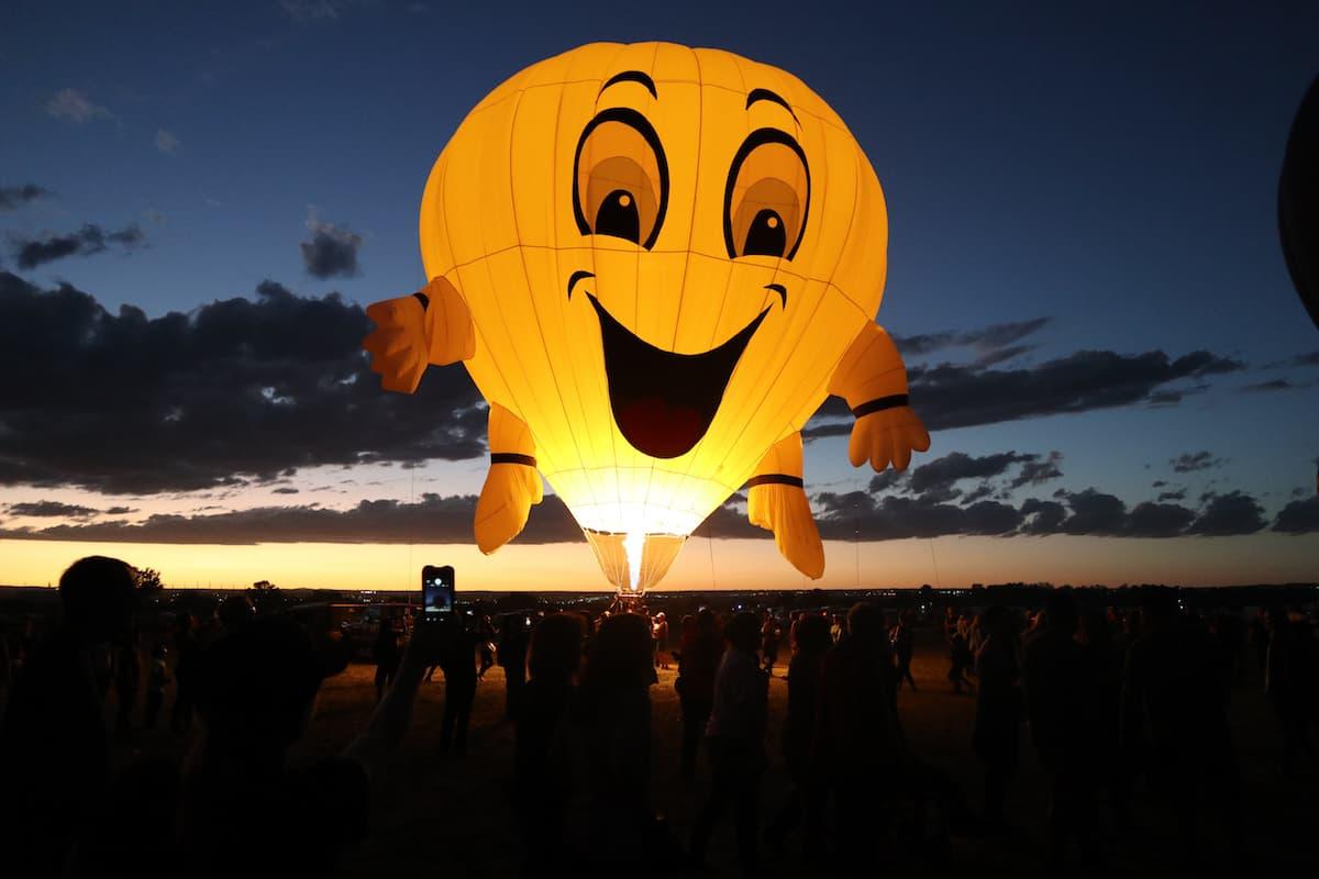 festival de globos aerostaticos albuquerque cara feliz