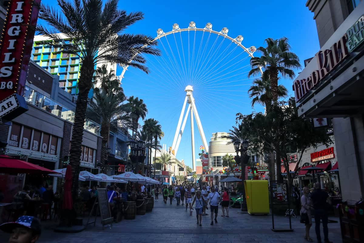 El The High Roller at The LINQ Promenade