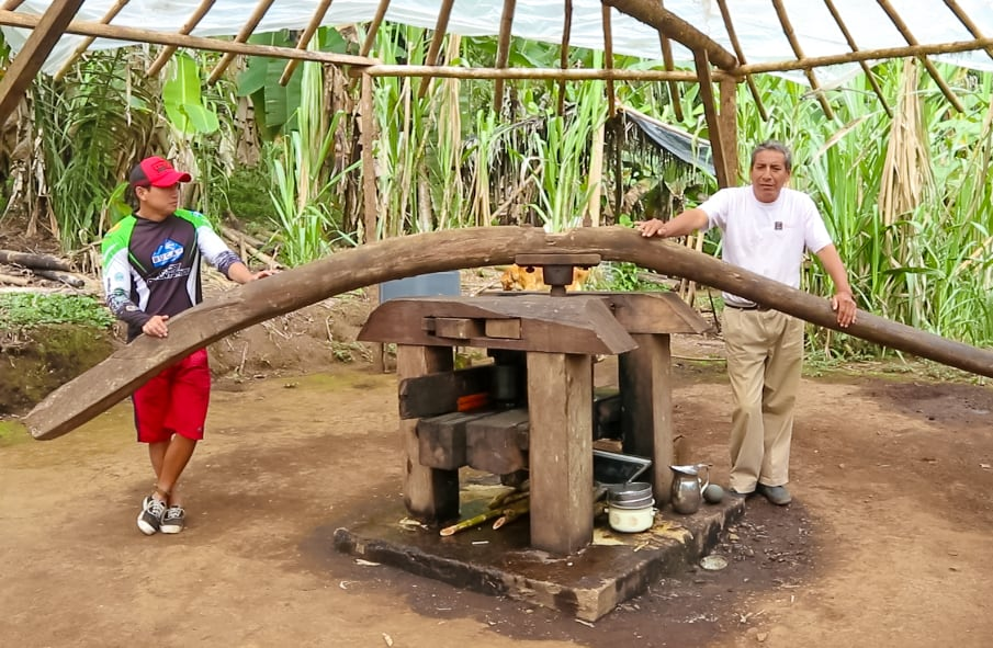 Trapiche: Cane Juice Making