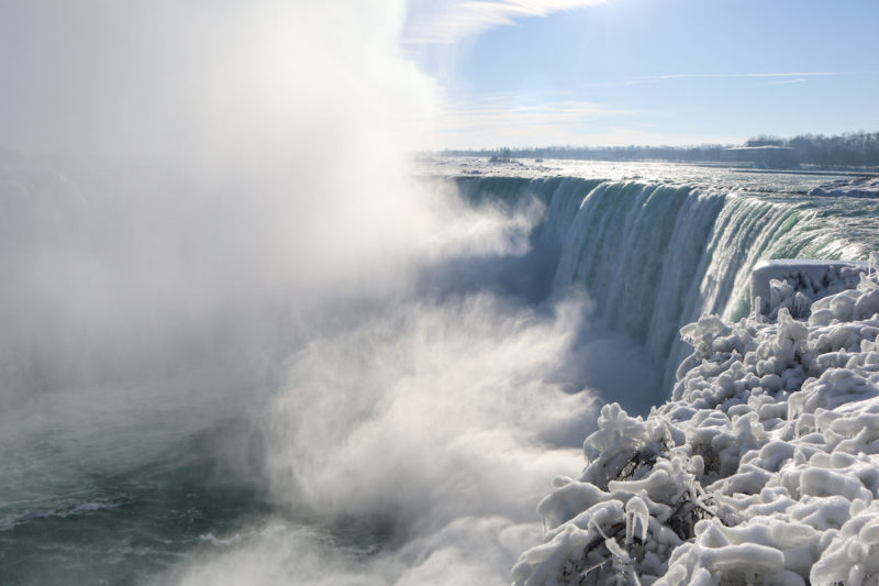 13 Niagara Falls Photos During In The Winter