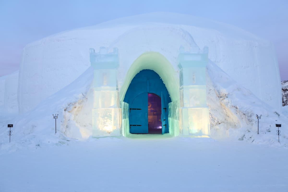 Cómo dormir en hotel de hielo en Kirkenes, Noruega en el SnowHotel