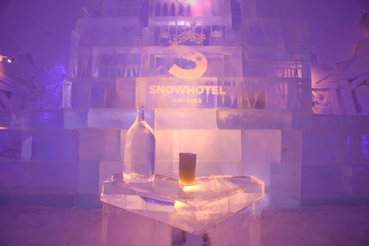 hotel de hielo en Kirkenes Snowhotel Bar