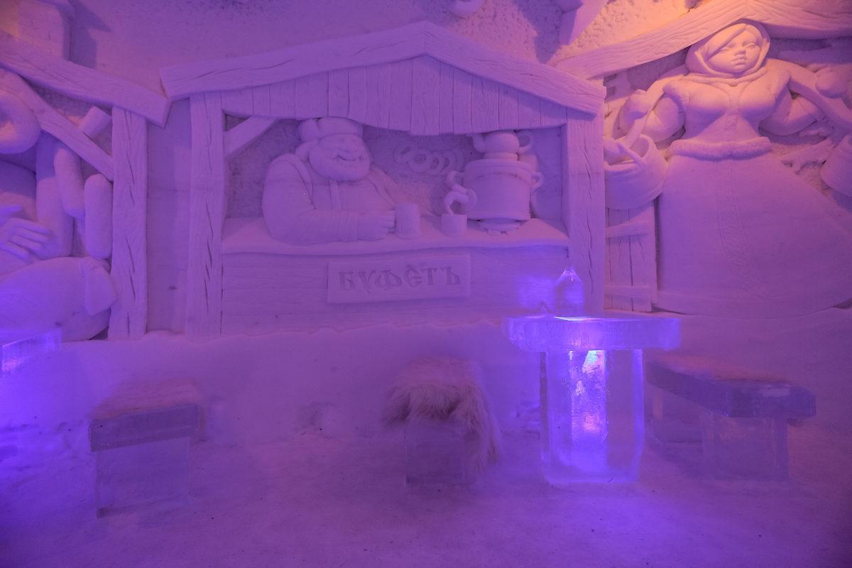 hotel de hielo en Kirkenes Snowhotel arte en las paredes