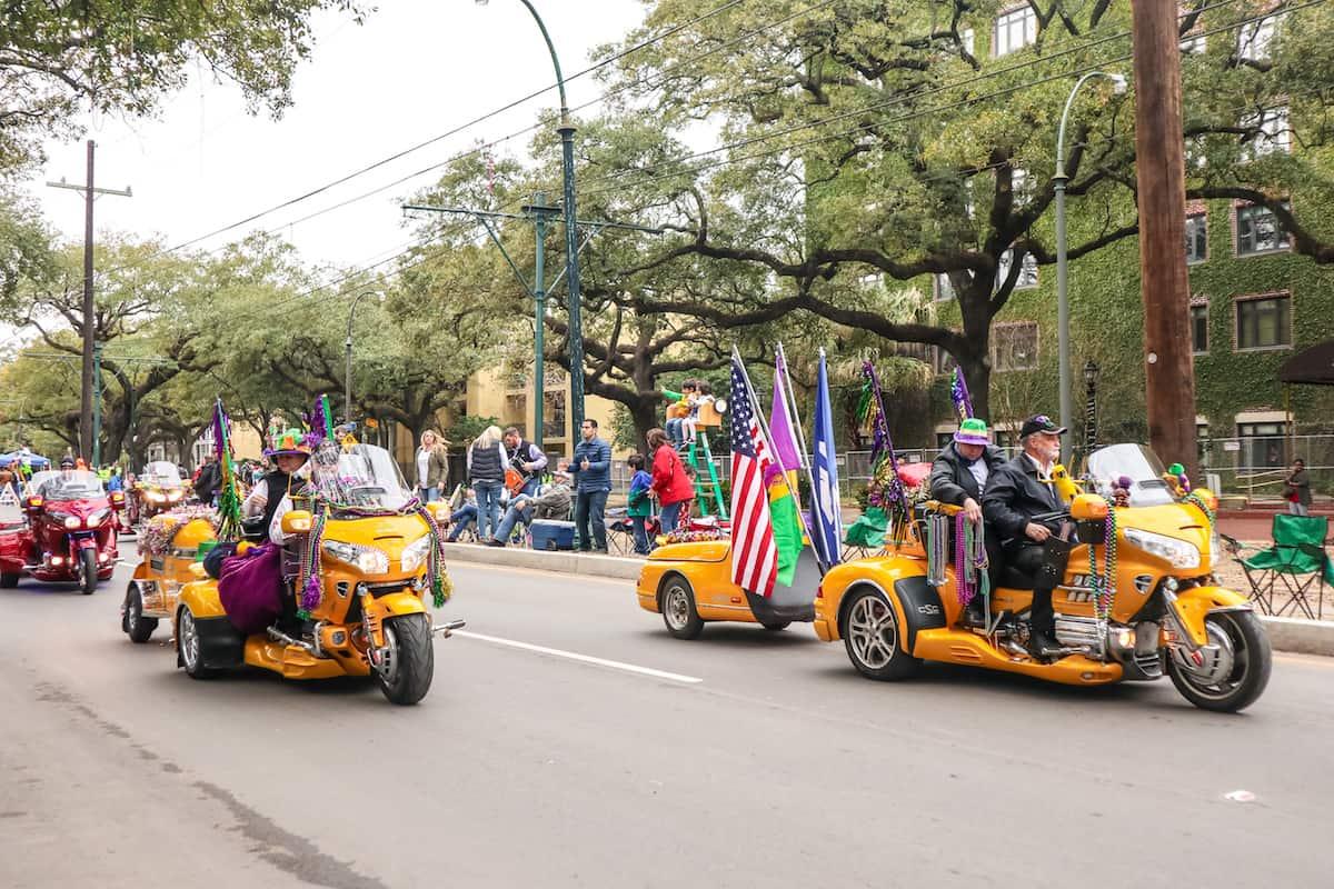 mardi grass desfile motos