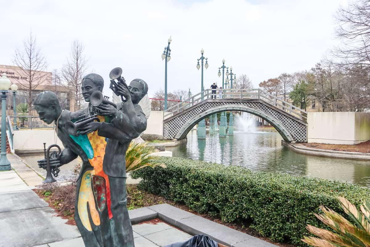 puente en mardi gras new orleans