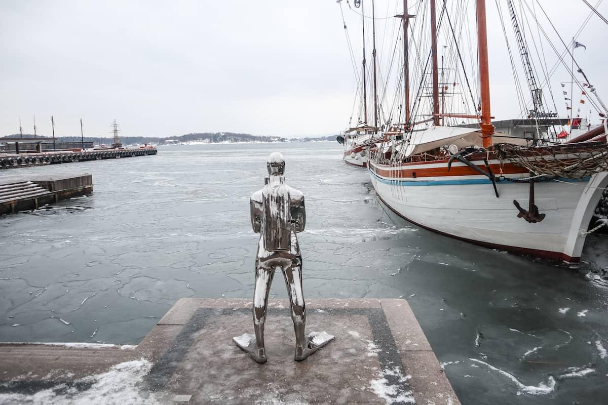 Oslo Fjord scuba diving statue