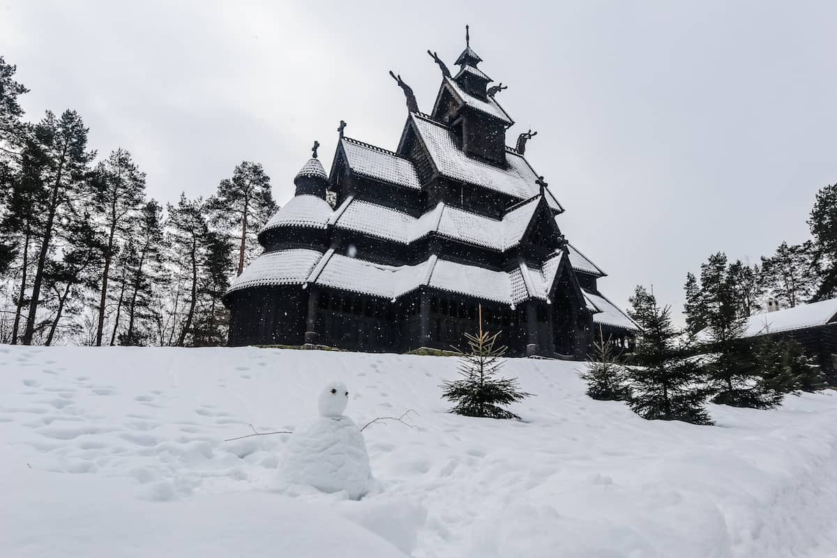 Norwegian Museum of Cultural History church snowman - Oslo en Invierno