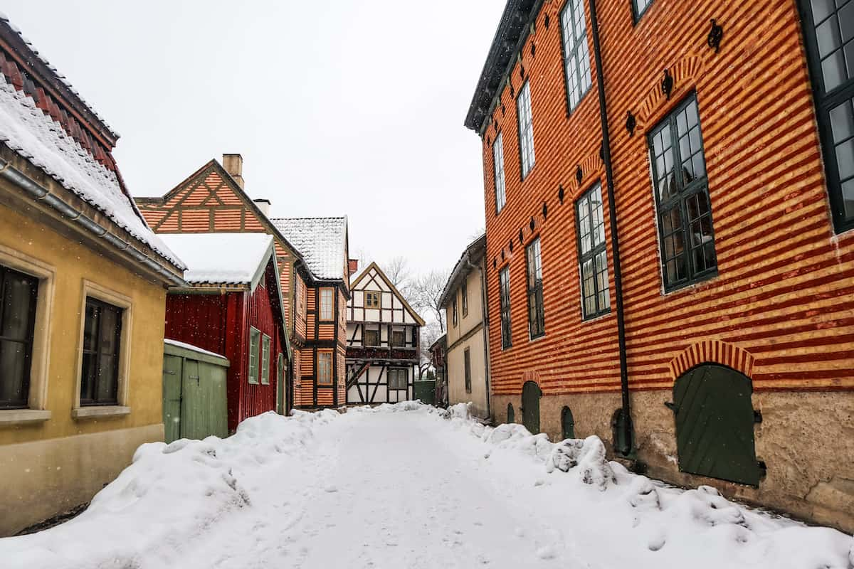 Norwegian Museum of Cultural History colorful houses - Oslo en Invierno