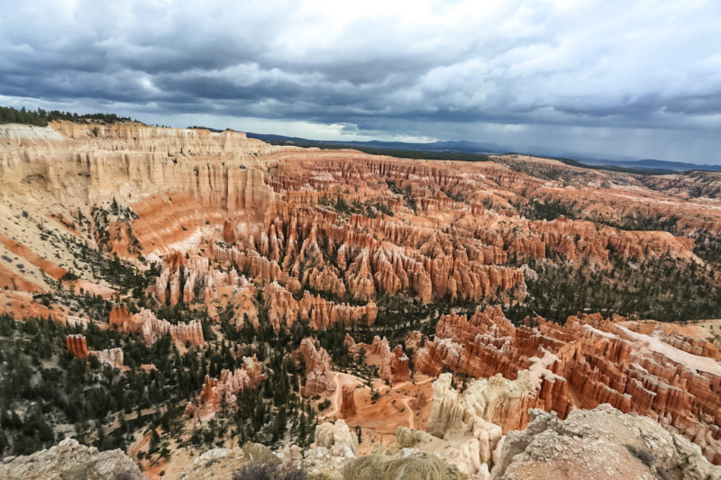 Exploring the Hoodoos of Bryce Canyon National Park