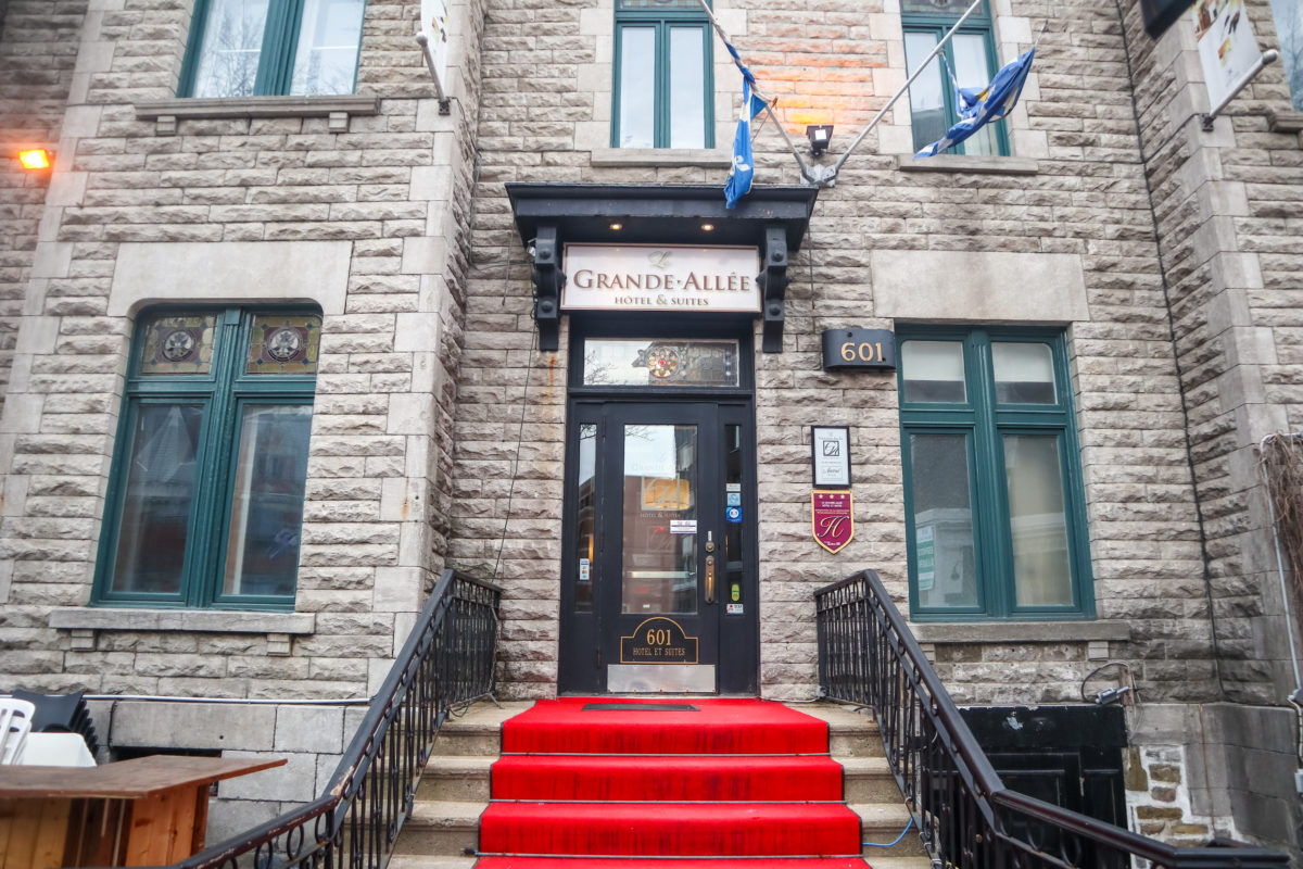 Our Review of Our Stay at Le Grande-Allée Hôtel et Sui in Quebec City, Canada