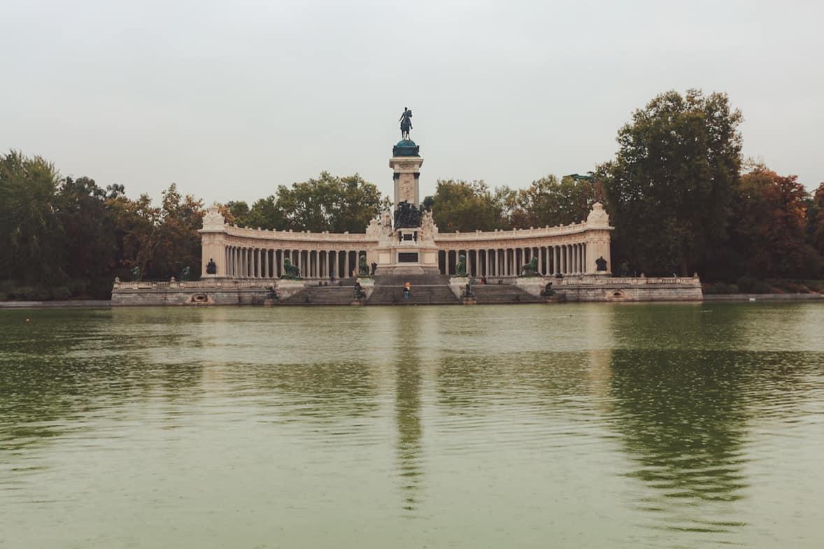 Things To Do in Madrid: La puerta de Alcalá