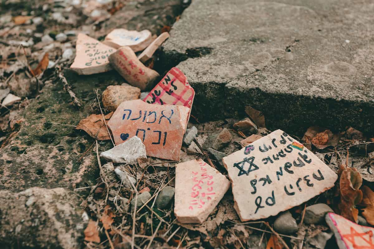 Auschwitz messages in rocks
