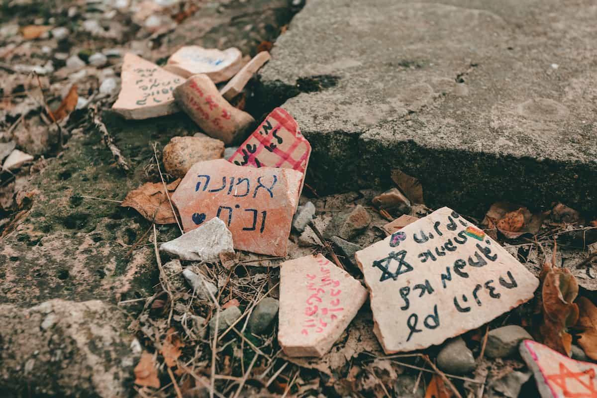 Auschwitz messages in rocks