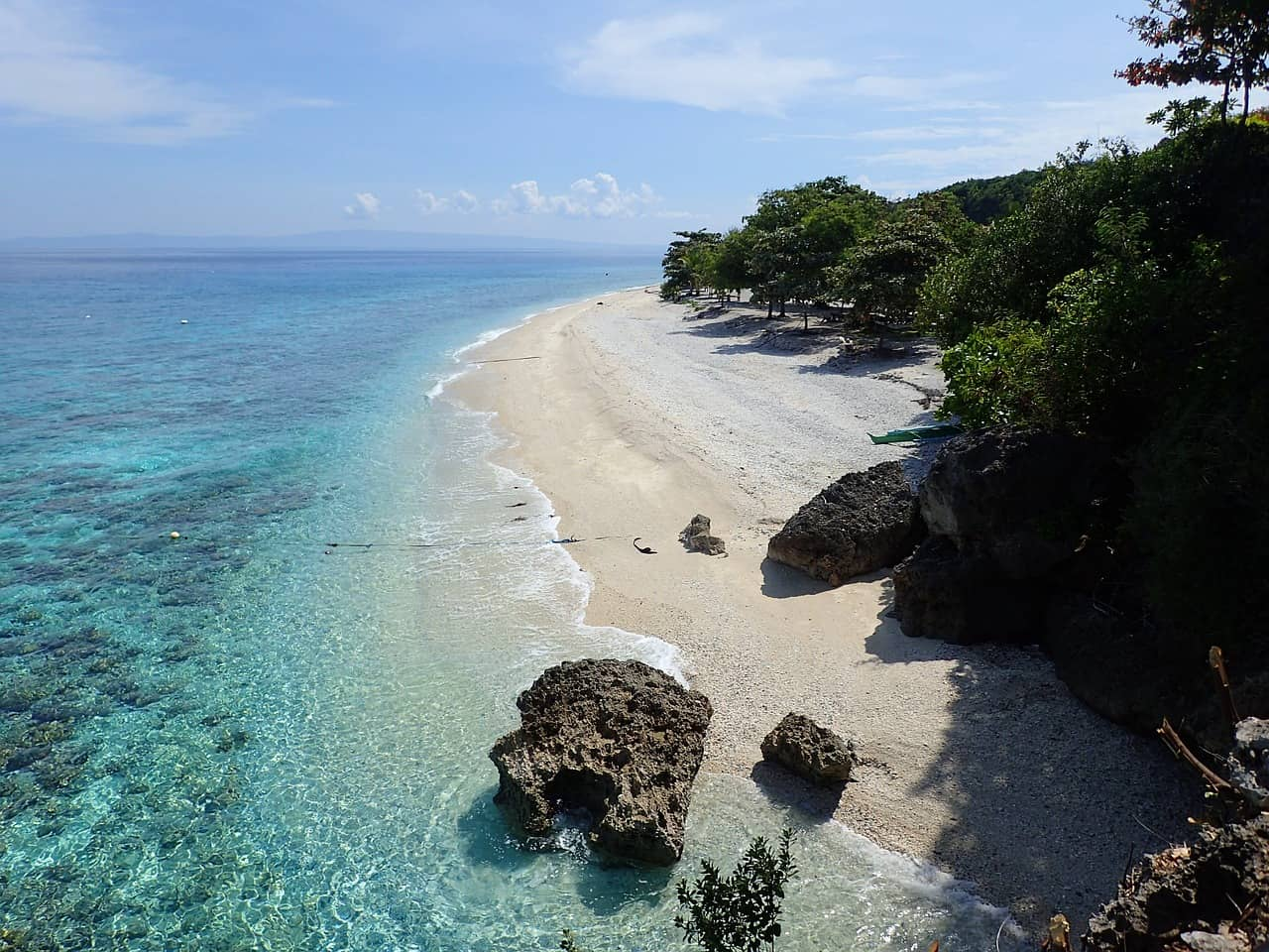For tired and weary souls, Cebu will definitely allow you to rediscover yourself and your drive with breathtaking waters and stunning marine life. Best tour and activities in Cebu won't be complete without a visit to Nalusuan Island.