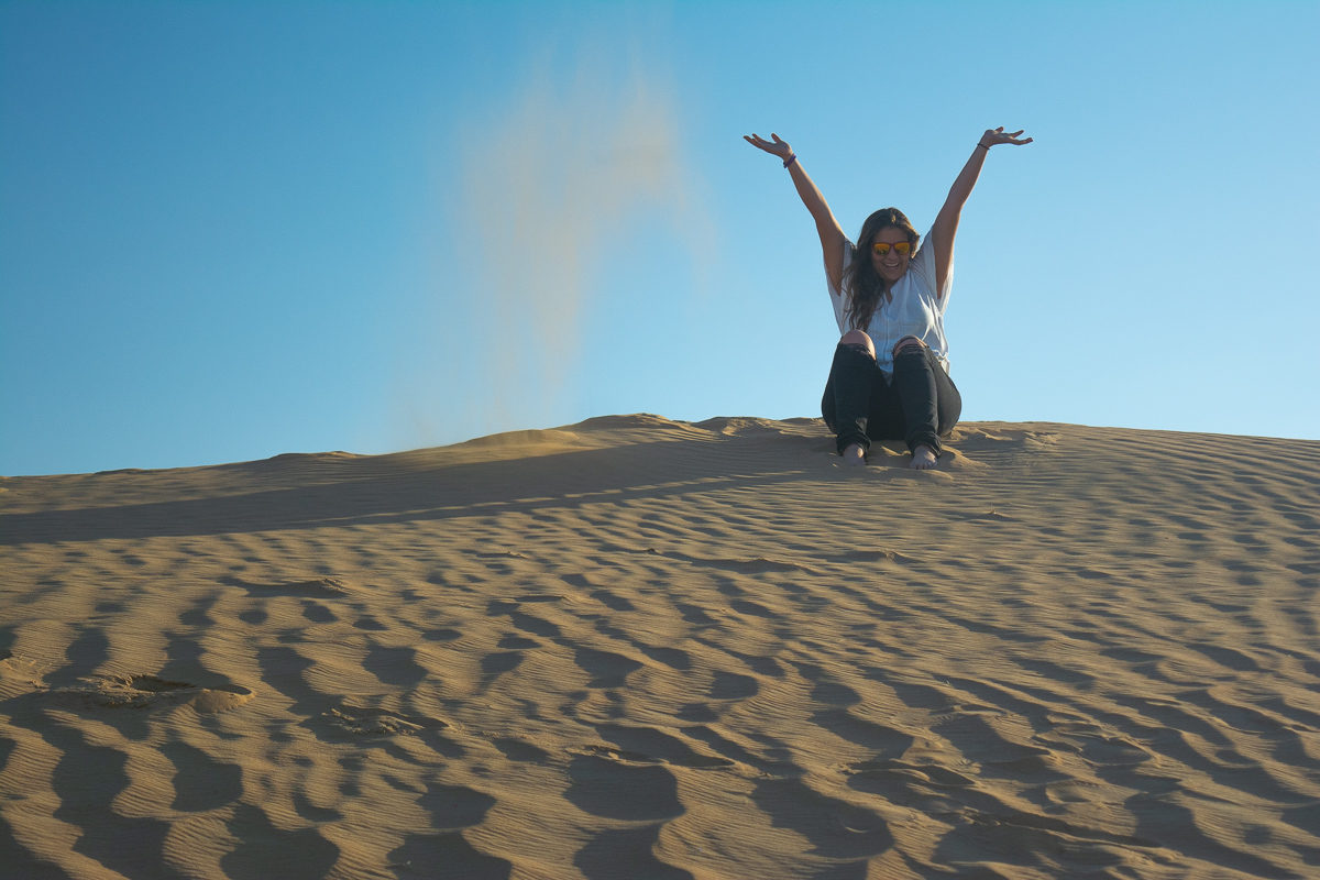Dubai Desert Sand Dunes playing