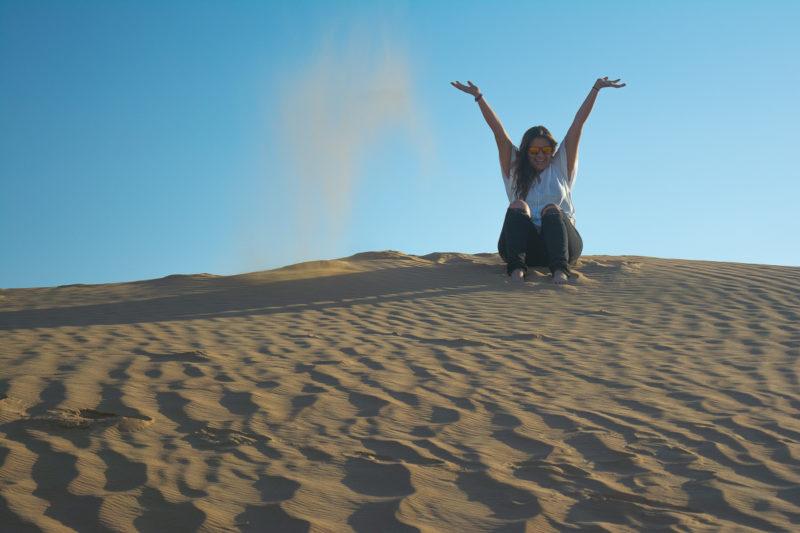 Dubai Desert Sand Dunes playing