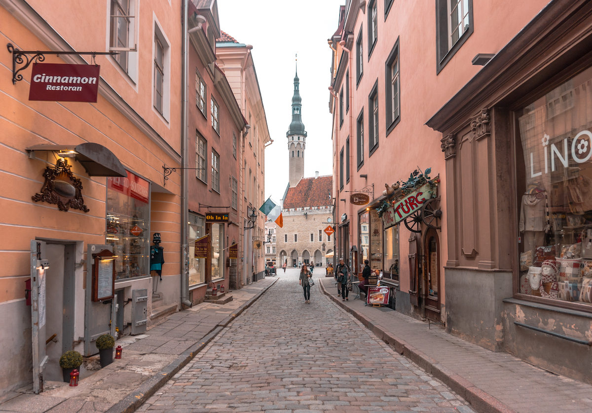 How long do I need to stay in Tallinn