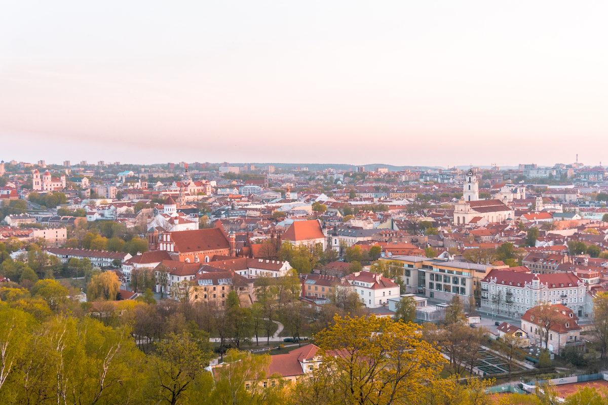 How do I get around Vilnius?