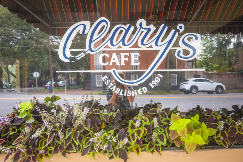 Savannah-Have breakfast at Clary's Cafe