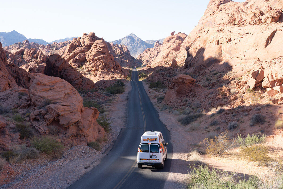 Van in the middle of the viewpoint in Valley of Fire State Park